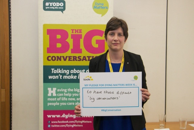 Alison Thewliss MP pledging her support to the Dying Matters campaign
