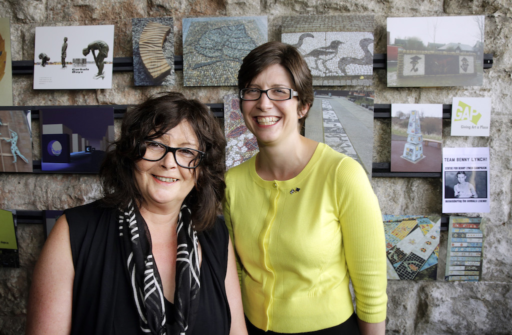 Alison Thewliss meeting Liz Peden, Director of the 7 Arches Art project.